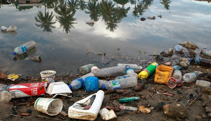 residuos-plasticos-descartados