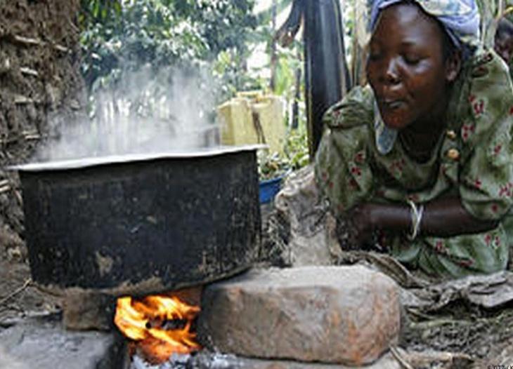 Cozinhando com lenha na África