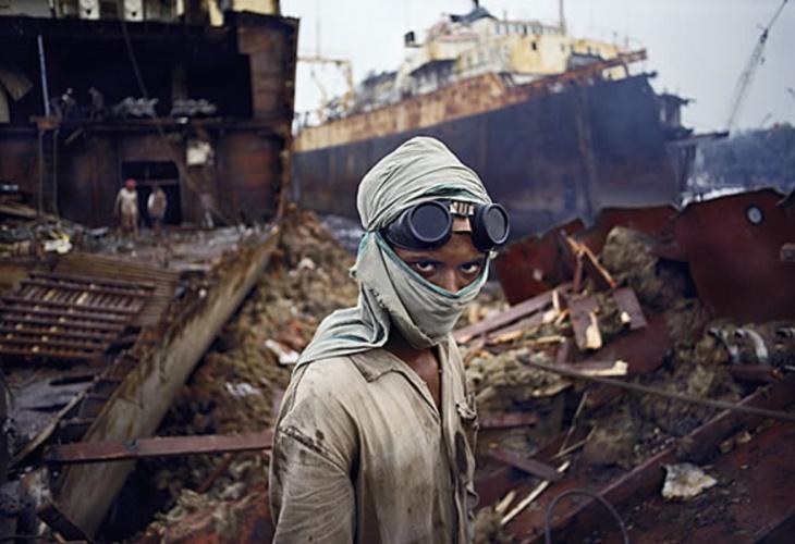 Desmanche de navios em Bangladesh