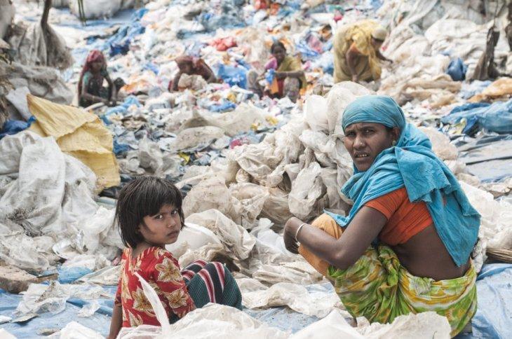 Reciclagem de plástico em Dhaka