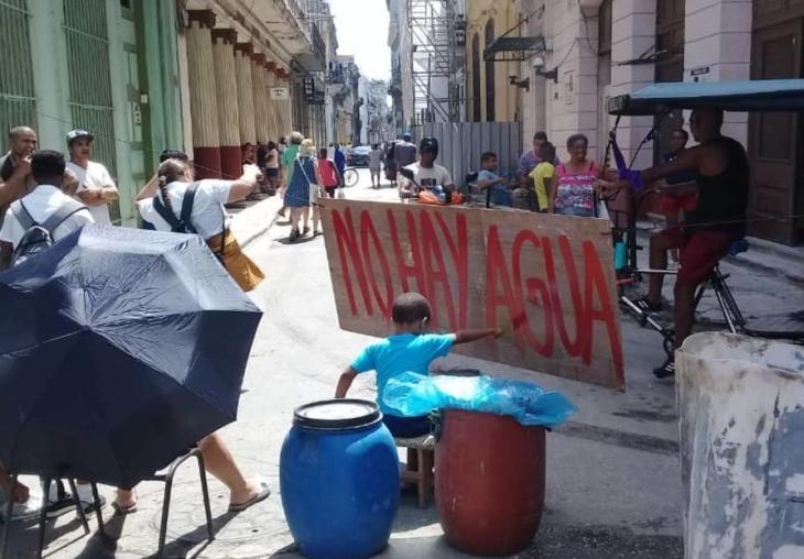 Falta de água em Havana